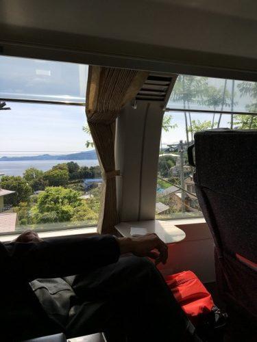 スーパービュー踊り子号のグリーン車 車窓の眺め