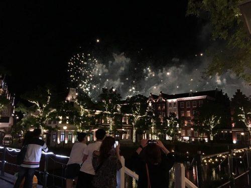 ハーバーゲート付近の花火の様子