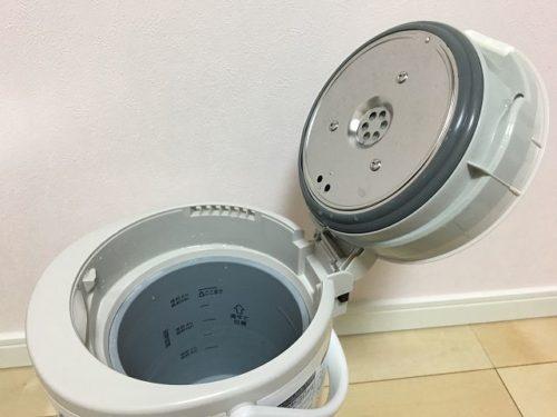 象印スチーム式加湿器EE-RL50蓋を開けた写真